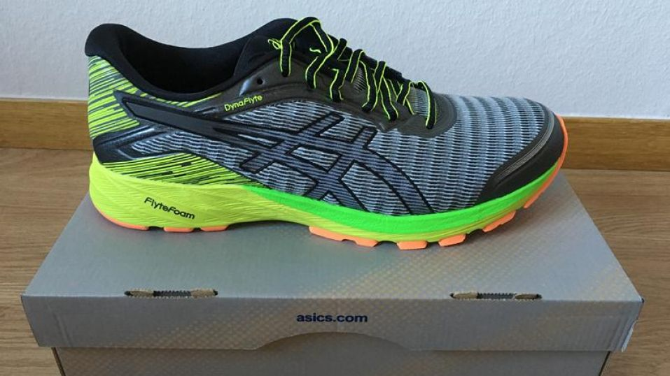 asics-dynaflyte-lateral-side-957x538