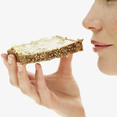 Both wheat and rye bread are low in calories and high in fiber.